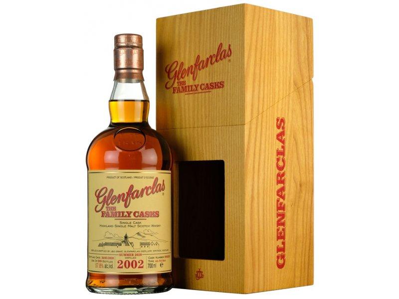 Виски Glenfarclas Family Cask S20 #90028, wooden box 2002